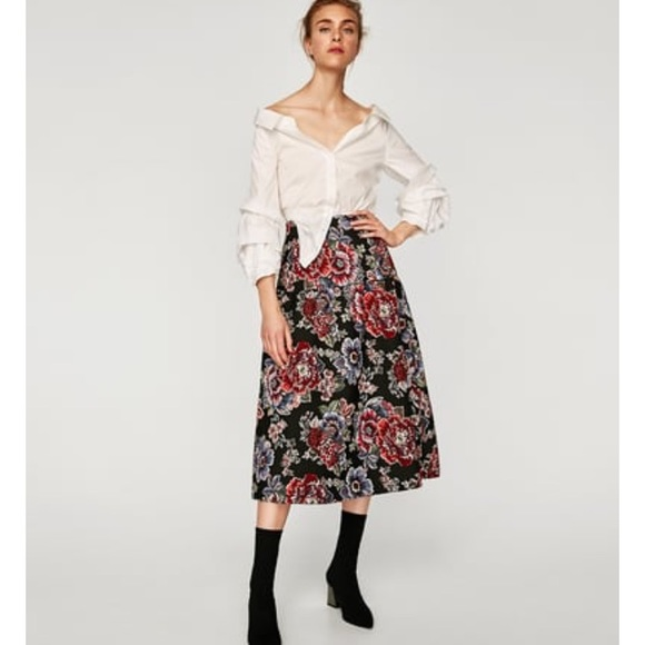96c9220847dc Zara embroidered jacquard midi skirt